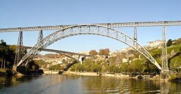 ponte maria pia, portugal (wikimedia commons)