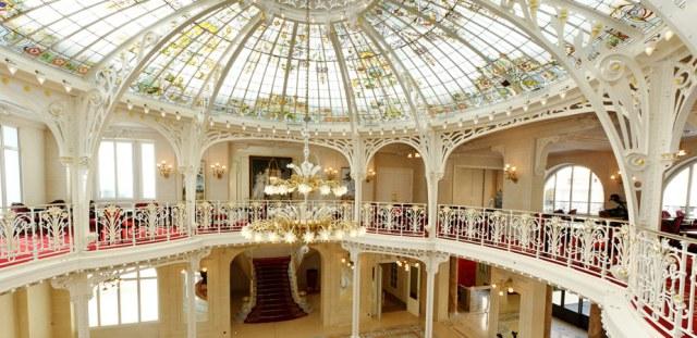 salon-mezzanine-terrasse | 365+ Things I Love About France