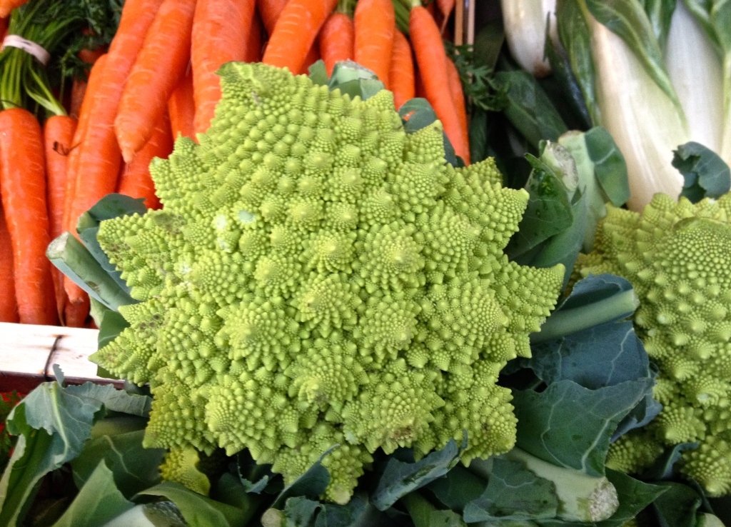 broccoli-paris-market.jpg