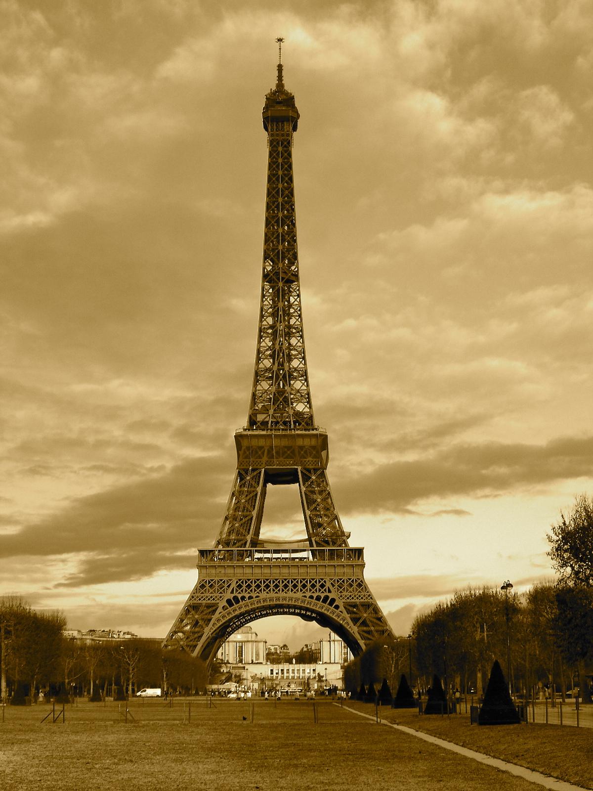 No 141 O 249 Est La Tour Eiffel 365 Things I Love About