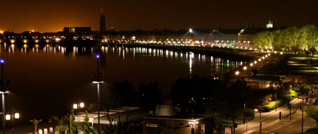Bordeaux_Nighttime.jpg