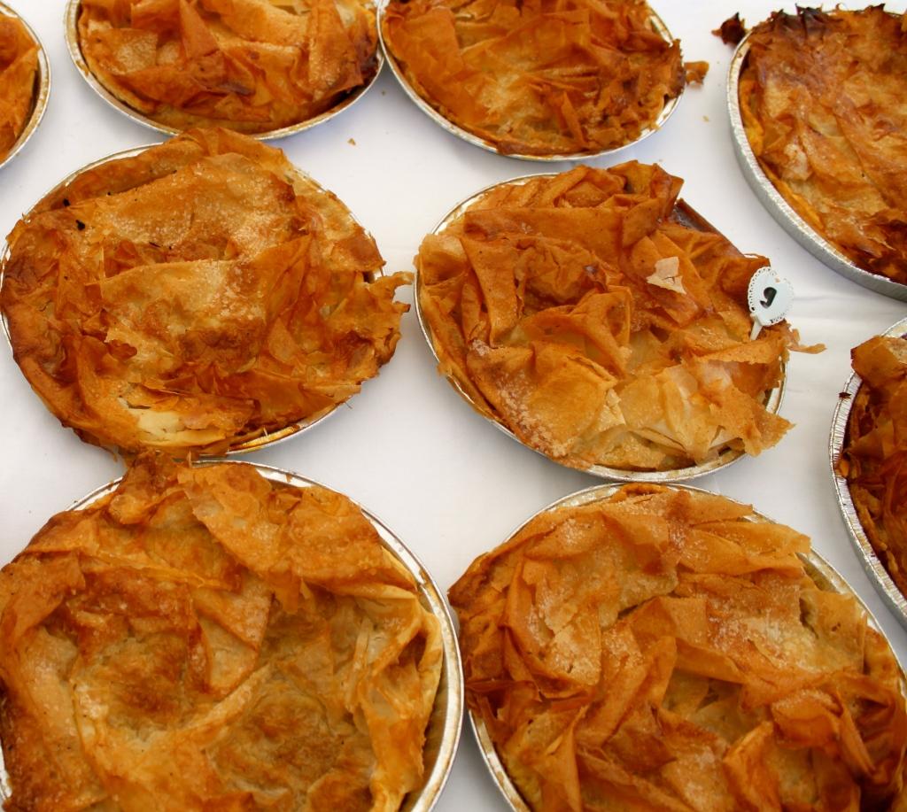 la petite croustades…filo, apples sauce and almond paste...
