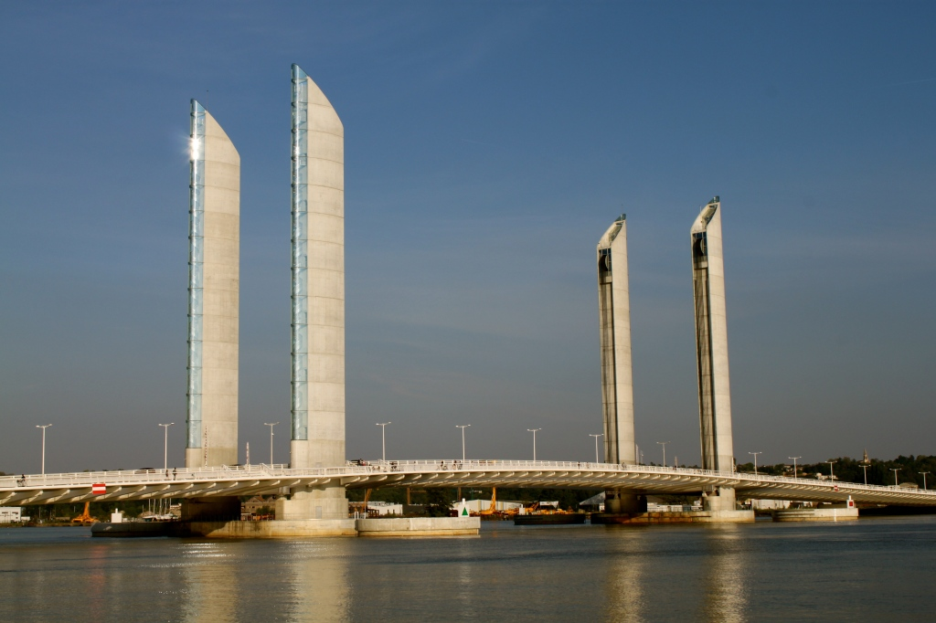 Bordeaux_bridge.jpg