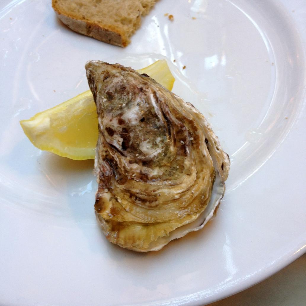 oyster_paris_france3. jpg