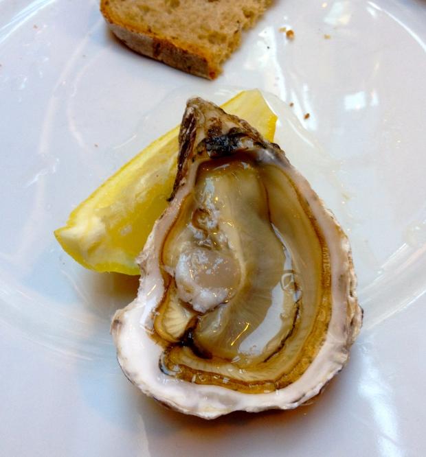 oyster_paris_france4. jpg