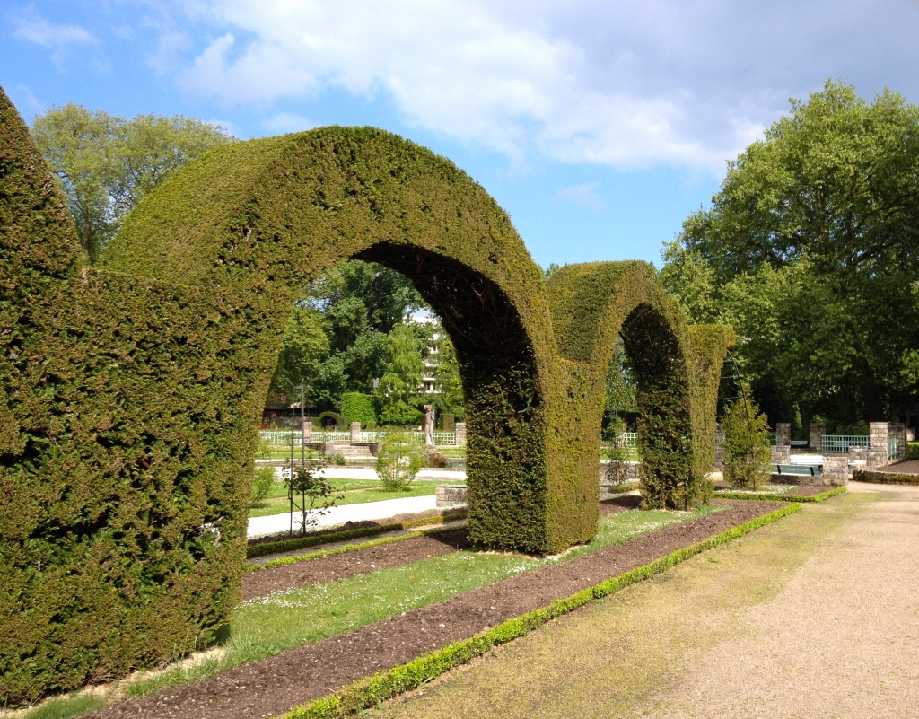 bourges_france_garden.jpg