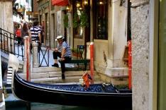 gondola-venice2.jpg