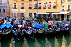 Venice-gondola.jpg