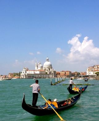 gondola-venice3.jpg