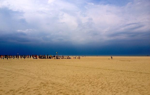 deauville_beach3.jpg