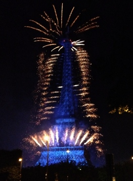 fireworks_14_july_paris7_2014.jpg