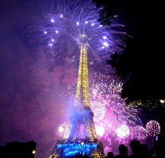 fireworks_14_july_paris_2014.jpg