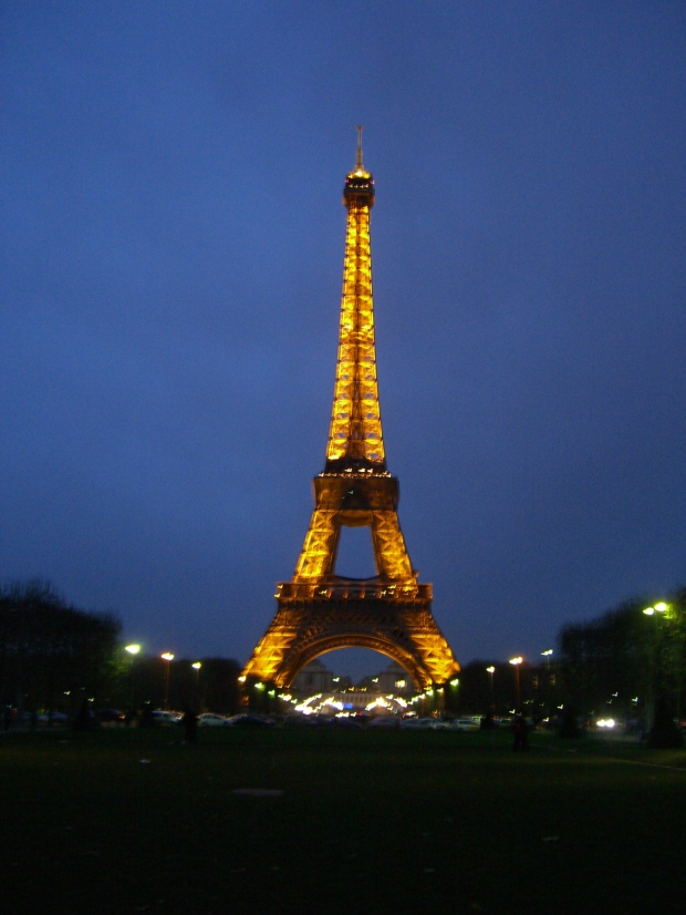 eiffel_tower_2.jpg