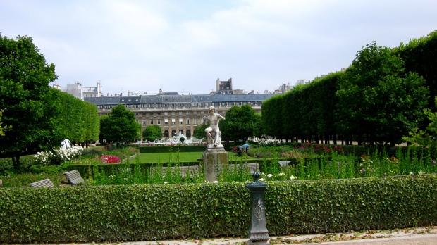 palais_royale_garden.jpg
