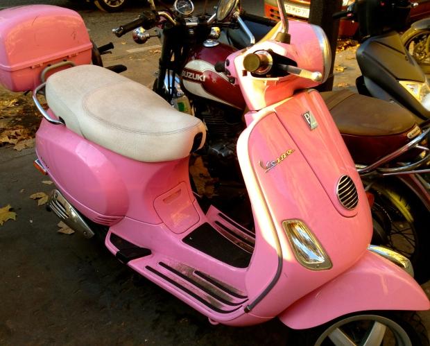 vespa_pink_france.jpg