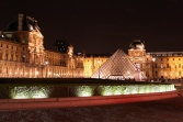 louvre_night_Paris.jpg