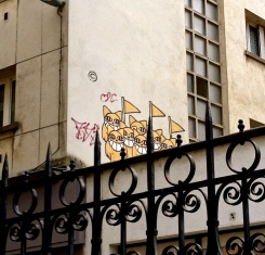 yellow_cats_paris_france.jpg