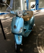 vespa_metalic_blue_france2.jpg