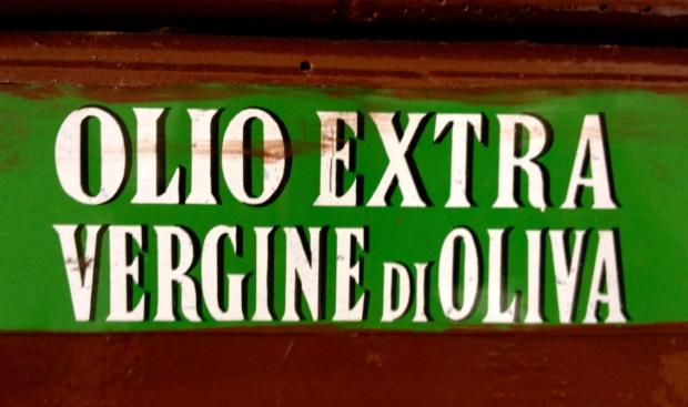 olive_oil_italy.jpg