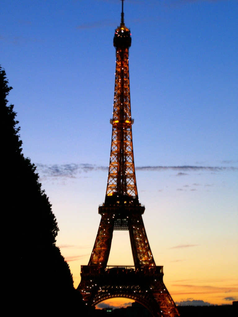 eiffel_tower_1.jpg
