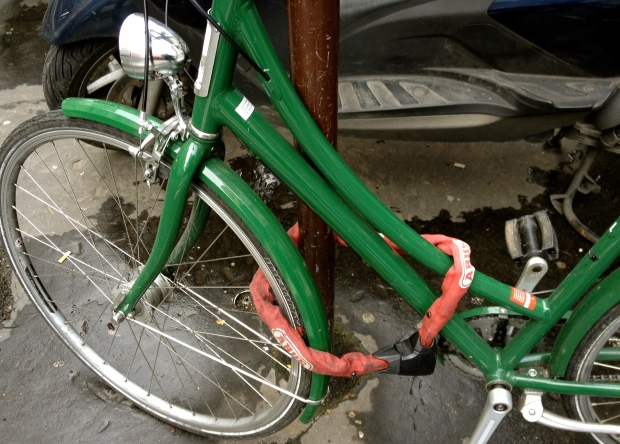 green_bicylce_paris.jpg