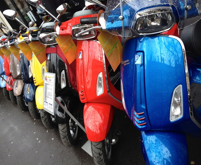 vespas_paris_2015.jpg