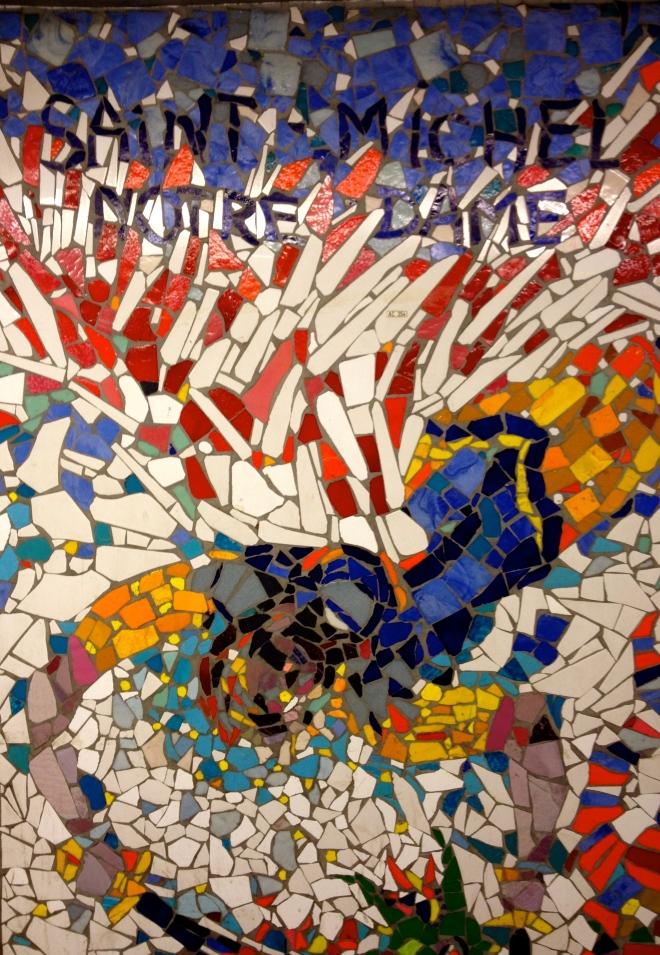notre_dame_mosaic_metro_paris.jpg