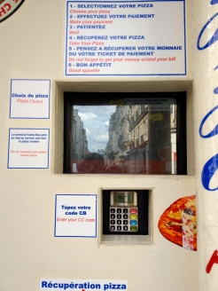 pizza_dispenser_vending_machine_paris_2.jpg