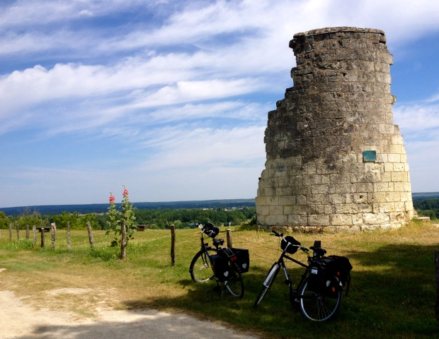 france_biking_velo_loire_valley2.jpg